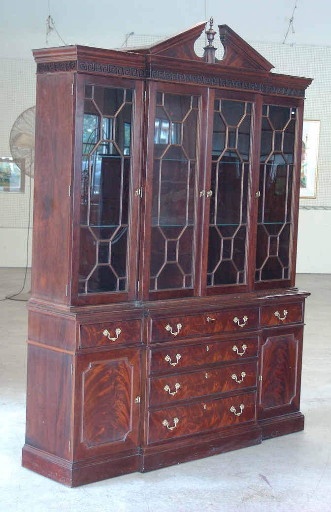 Specializing In Selling Quality Porcelains  Crystal  Clocks. Selling Antiques  Furniture   Estate Items  Laurel Auction  Maryland